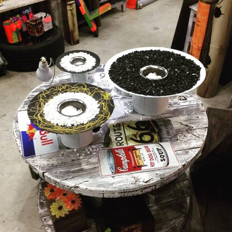 Chimeneas de mesa decorativas:  de estilo industrial por Abasto de Diseño, Industrial Hierro/Acero