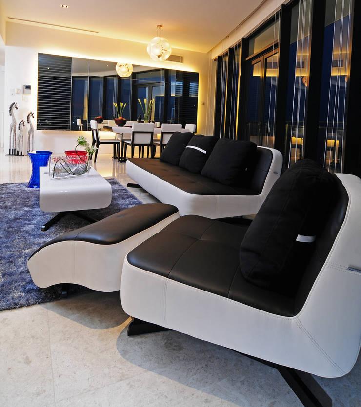 Salones de estilo ecléctico de Design Spirits Ecléctico