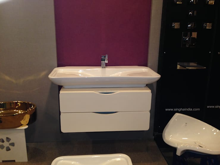 Showroom Pictures:  Bathroom by Distributor House Pvt Ltd