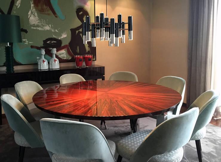 INTERIORES MORADIA: Salas de jantar  por PAULA NOVAIS ARQUITECTOS E DESIGN