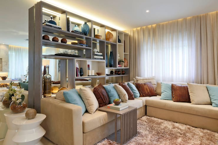 Salas de estar  por Chris Silveira & Arquitetos Associados