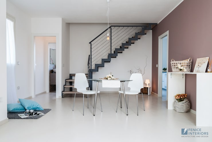 Home Staging Full – Attico su due livelli:  in stile  di Fenice Interiors
