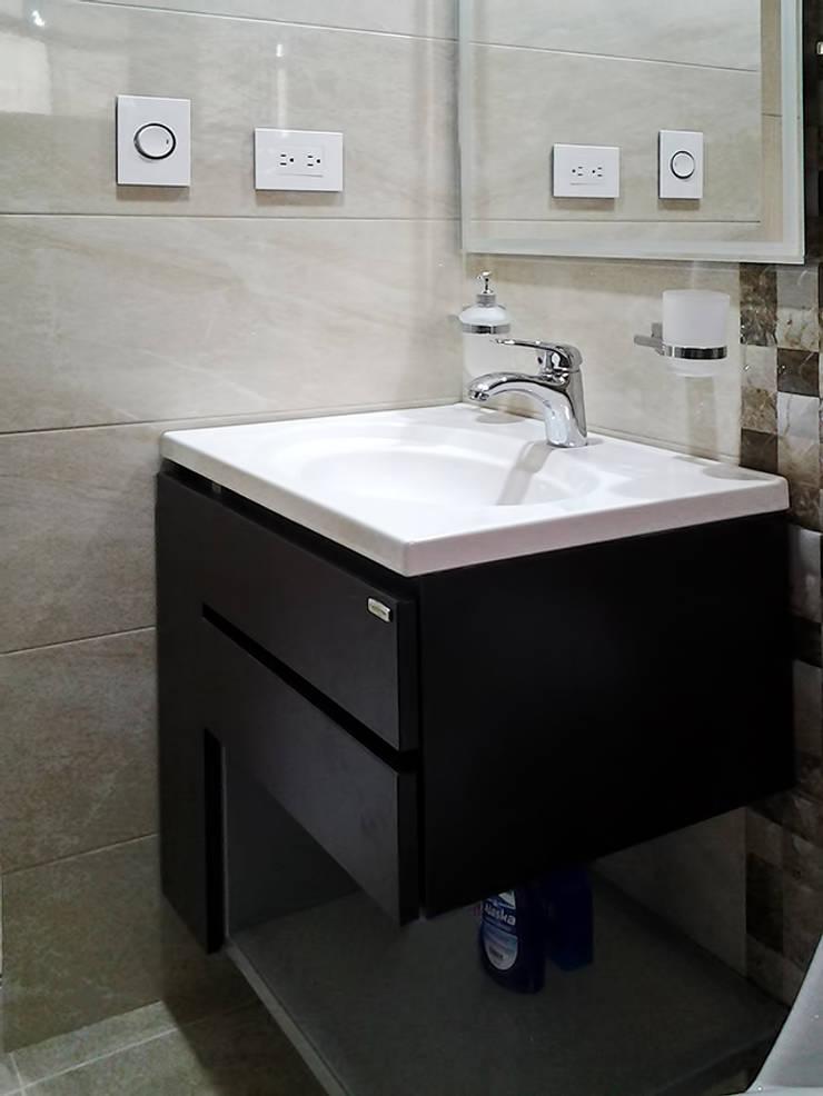 Remodelación baño: Baños de estilo  por Remodelar Proyectos Integrales