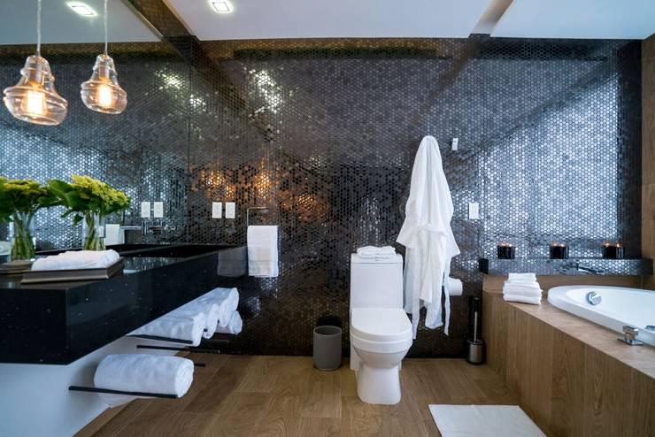 Baños de estilo  por HO arquitectura de interiores