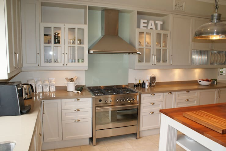 Kitchens:  Kitchen by Life Design, Classic