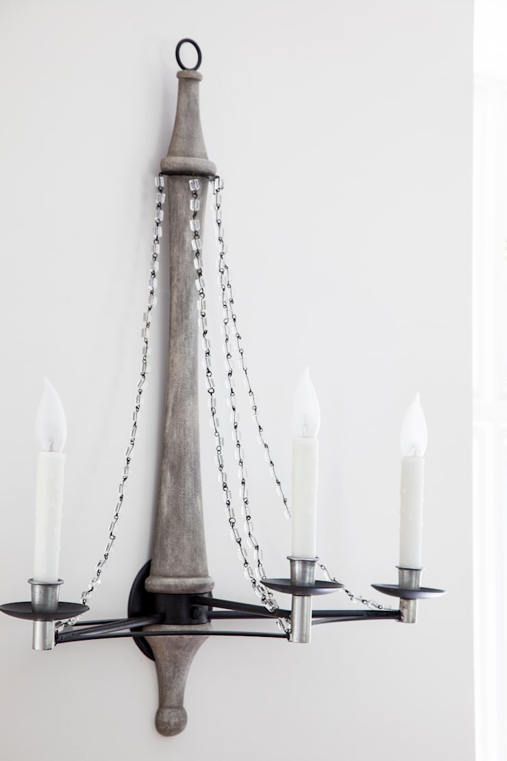 David Iatesta lighting : classic Living room by Mel McDaniel Design