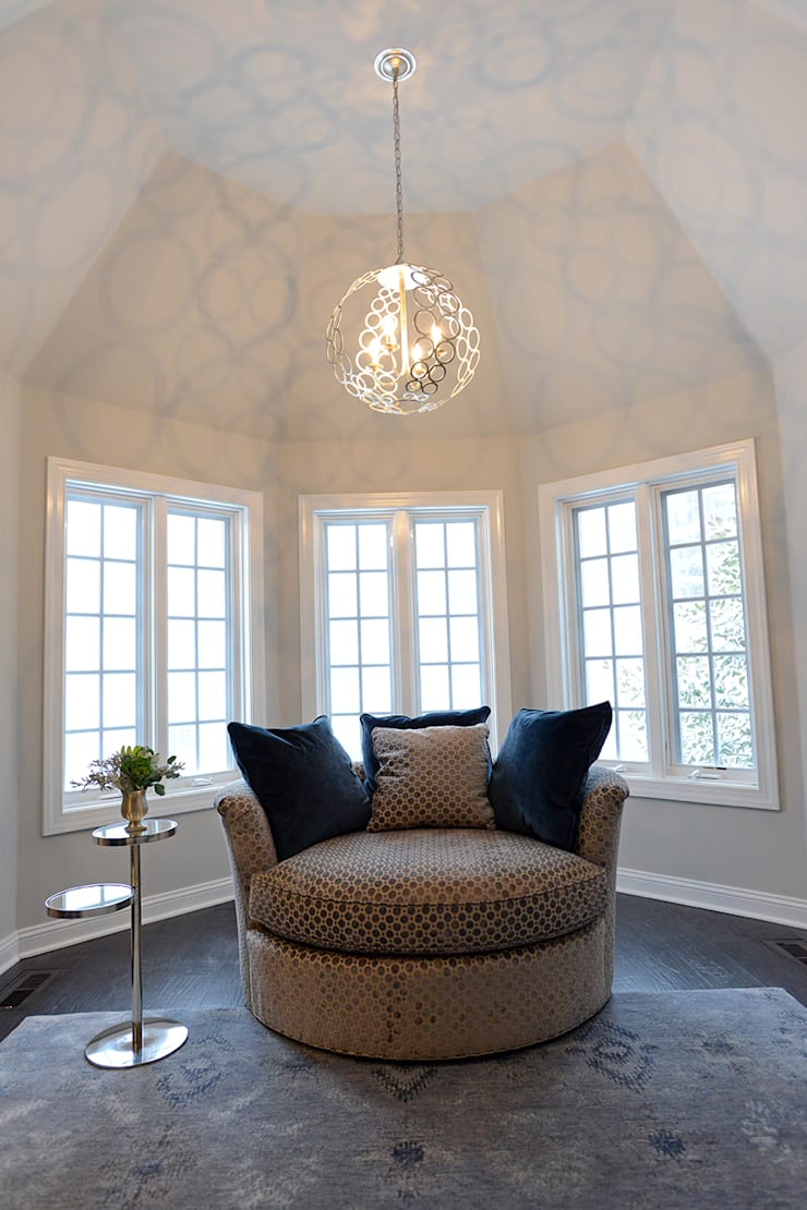 Villanova : classic Bedroom by Mel McDaniel Design