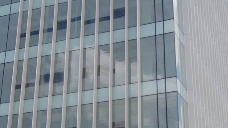 Edificio Aparmex : Casas de estilo  por Studio Glass