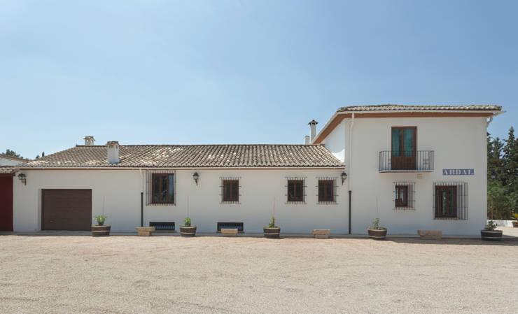 Casas de estilo  por Raul Garcia Studio