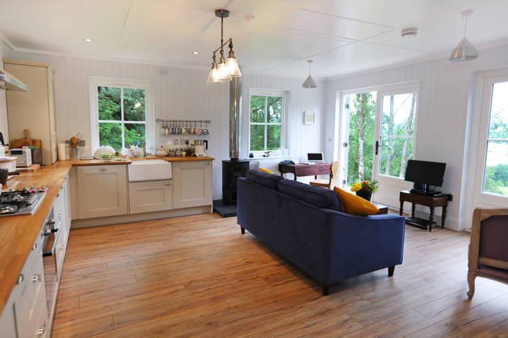 Livings de estilo  por The Wee House Company
