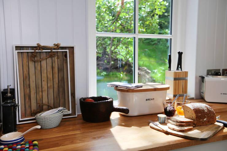 Cocinas de estilo  por The Wee House Company