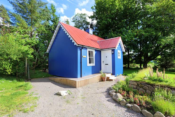 Casas de estilo  por The Wee House Company