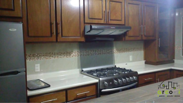 Remodelación Cocina : Cocinas de estilo  por ARCO +I