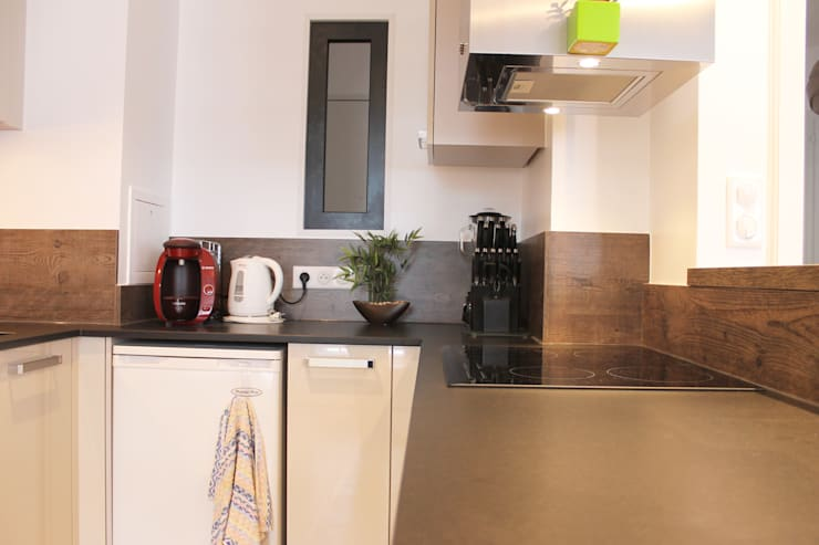 plan de travail granit: Cuisine de style  par Agence ADI-HOME