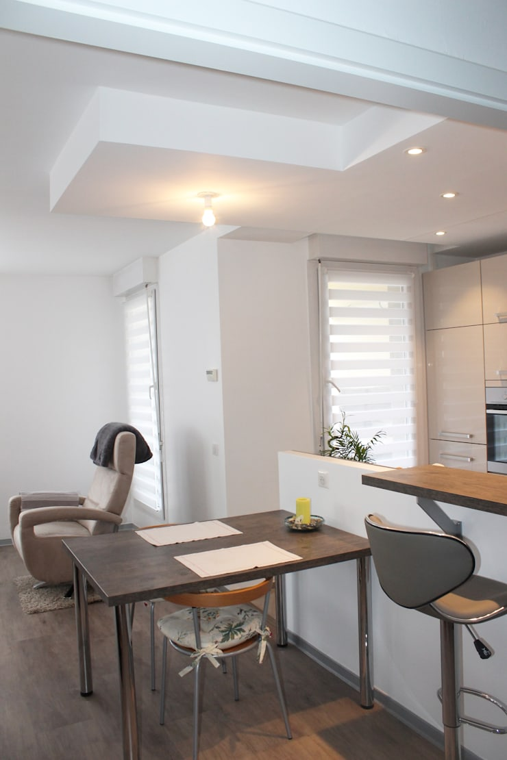 Modern Kitchen by Agence ADI-HOME Modern Chipboard
