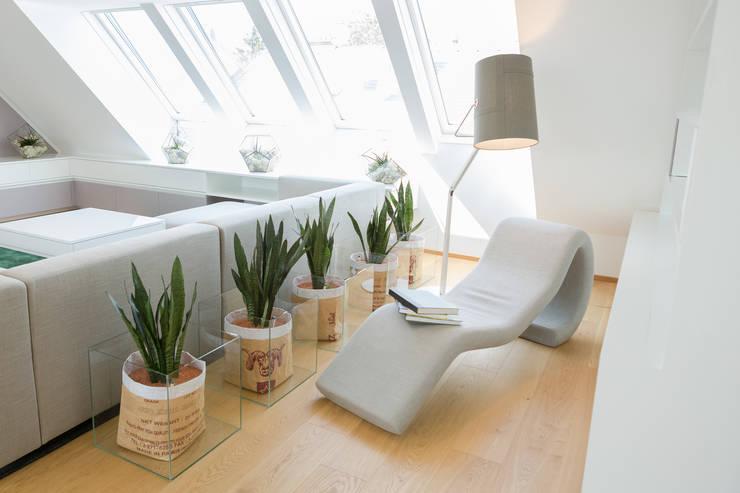 Leseecke:  Wohnzimmer von Kathameno Interior Design e.U.