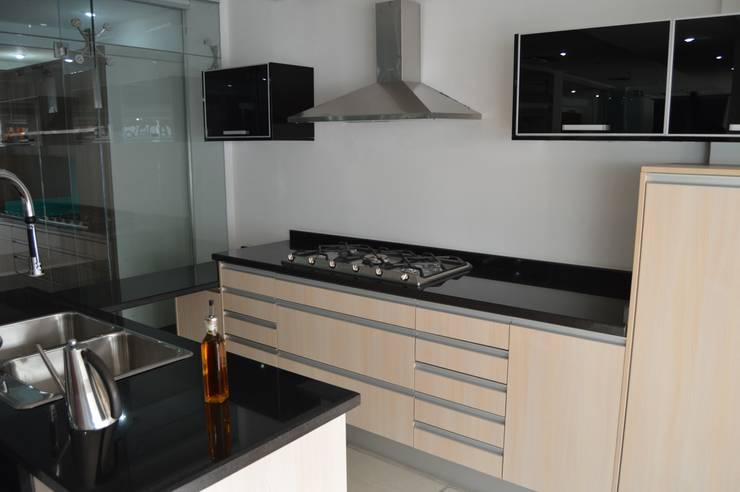 Cocina modular (OULIN): Cocina de estilo  por Decoglass Center