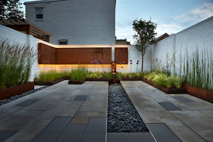 Garden by KUBE Architecture