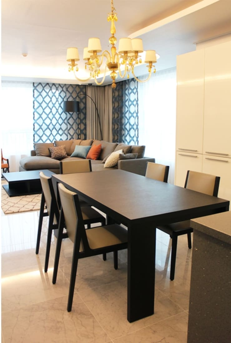 부산 명지동 럭셔리 해변 아파트 홈스타일링: 모린홈의  다이닝 룸