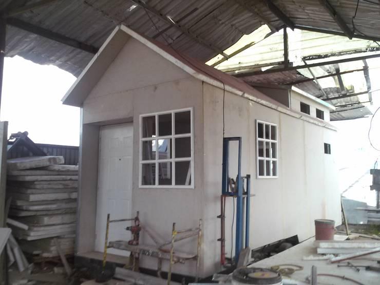 Casa Remolque : Casas de estilo  por Sistemas de construcción enceco