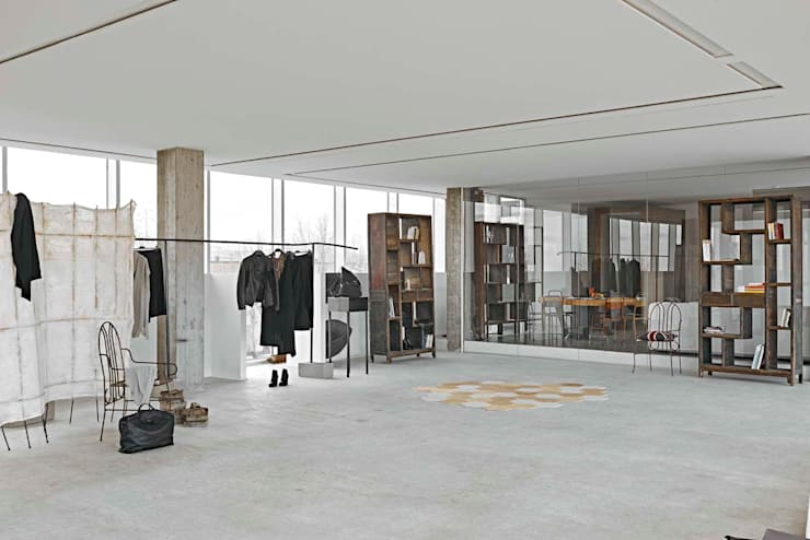 Corridor and hallway by Opera s.r.l., Modern