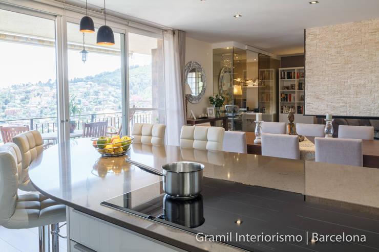Vivienda en Cesalpina: Cocinas de estilo  de Gramil Interiorismo II - Decoradores y diseñadores de interiores