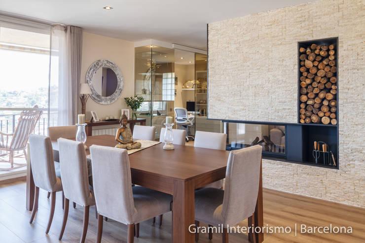 Vivienda en Cesalpina: Salones de estilo  de Gramil Interiorismo II - Decoradores y diseñadores de interiores
