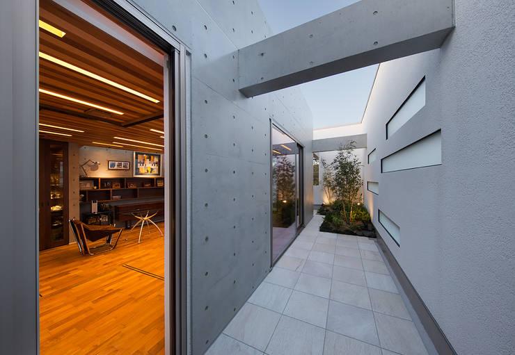 Terrazas de estilo  por Architect Show co.,Ltd