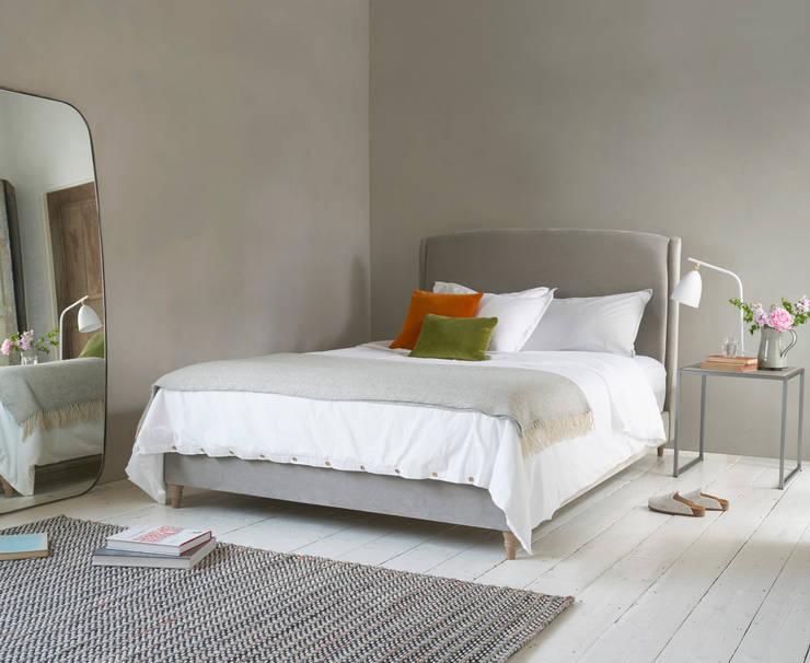Dazzler bed: modern Bedroom by Loaf