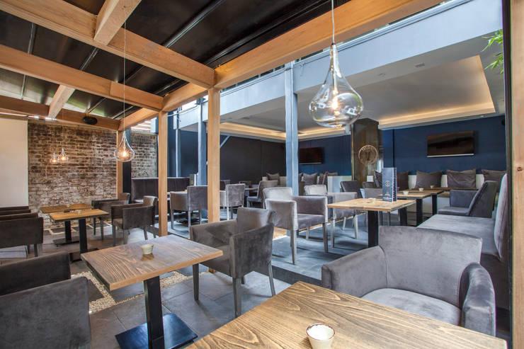 Restoran oleh IS AND REN STUDIOS LTD , Modern Parket Multicolored