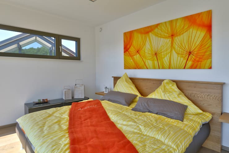 Bedroom by Büdenbender Hausbau GmbH