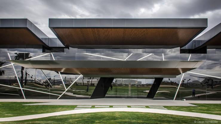 CORPORATIVO CARTOGRAF / GRUPO SPAZIO:  de estilo  por Oscar Hernández - Fotografía de Arquitectura