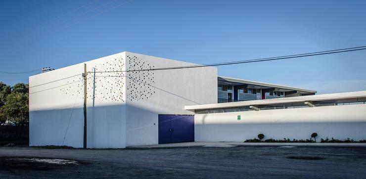 de estilo  por Oscar Hernández - Fotografía de Arquitectura,