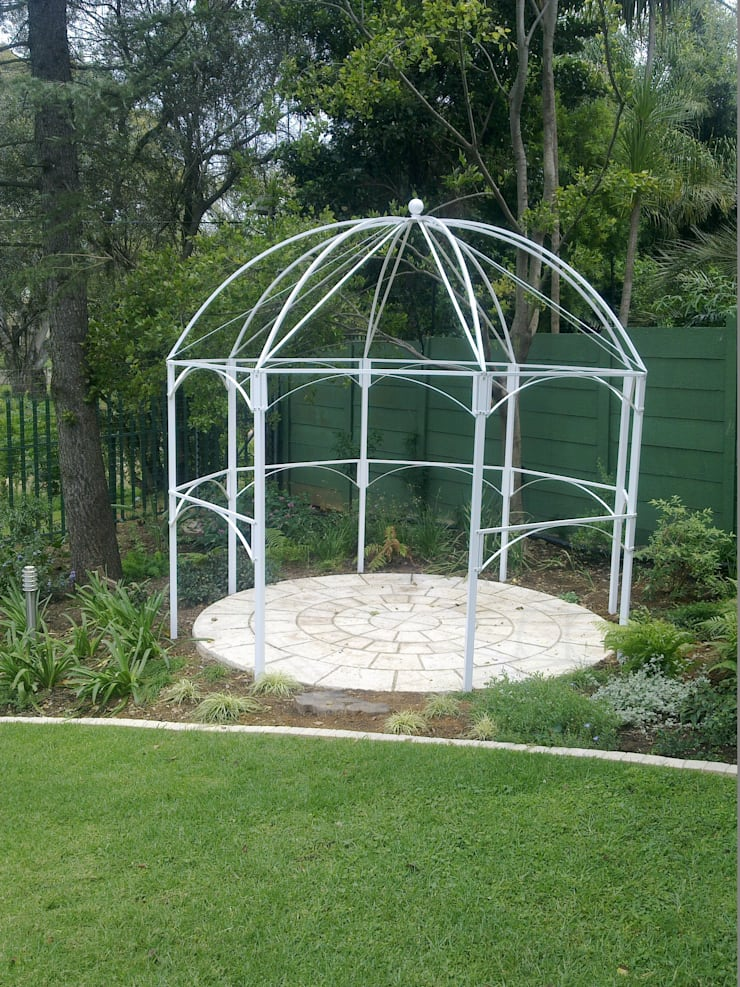 STEEL GAZEBO:  Garden by Oxford Trellis