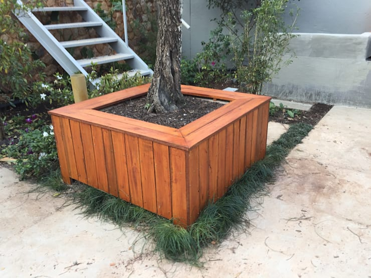 PLANTER CLADDING: country  by Oxford Trellis, Country Wool Orange