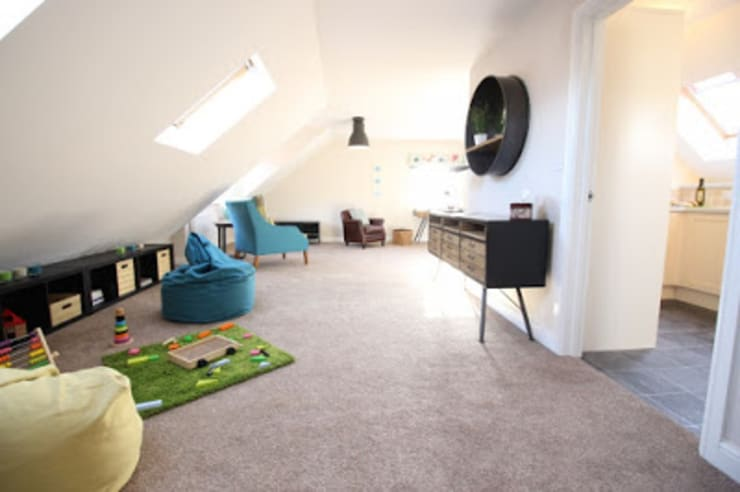 THE OLD BREWERY SHOWHOMES:  Living room by Interiors at Nine to Eleven