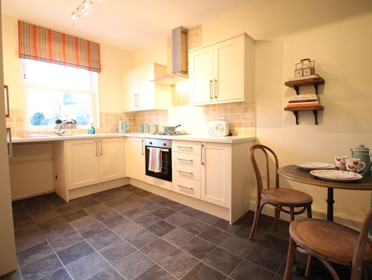 THE OLD BREWERY SHOWHOMES:  Kitchen by Interiors at Nine to Eleven