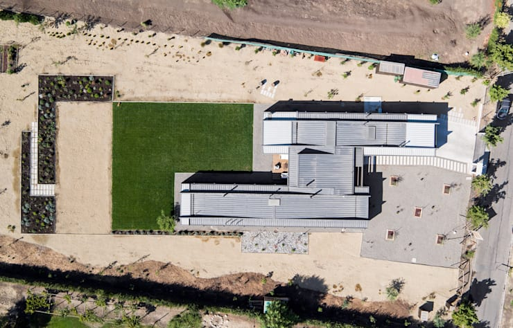 proyecto: Jardines de estilo moderno por SUN Arquitectos