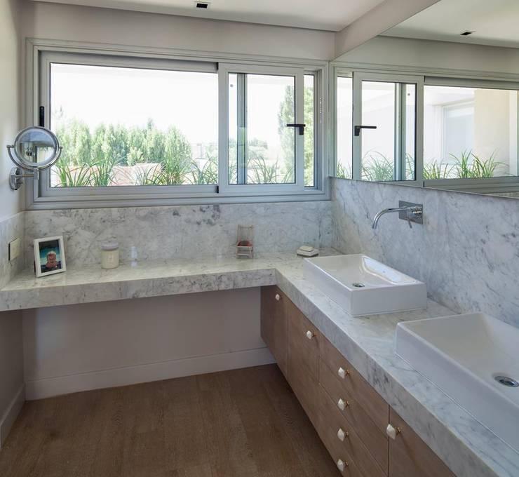 Badezimmer von DMS Arquitectura
