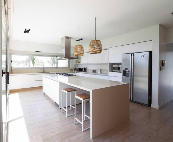 Livings de estilo  por DMS Arquitectura