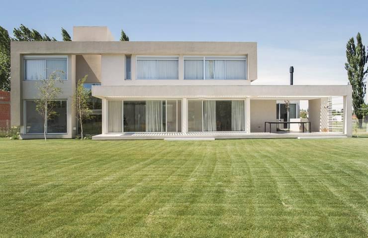Dormitorios de estilo  por DMS Arquitectura