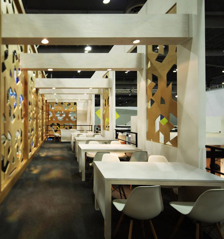 Lamosa Expo CIHAC 2014: Estudios y oficinas de estilo  por Local 10 Arquitectura