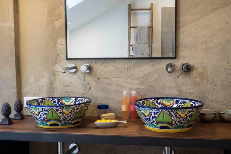 Originelle handbemalte Waschbecken für die Gäste-Toilette von ...