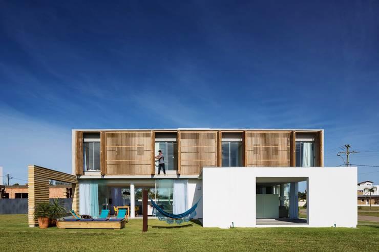 CASA 022 - Xangrila/Brasil: Casas modernas por hola