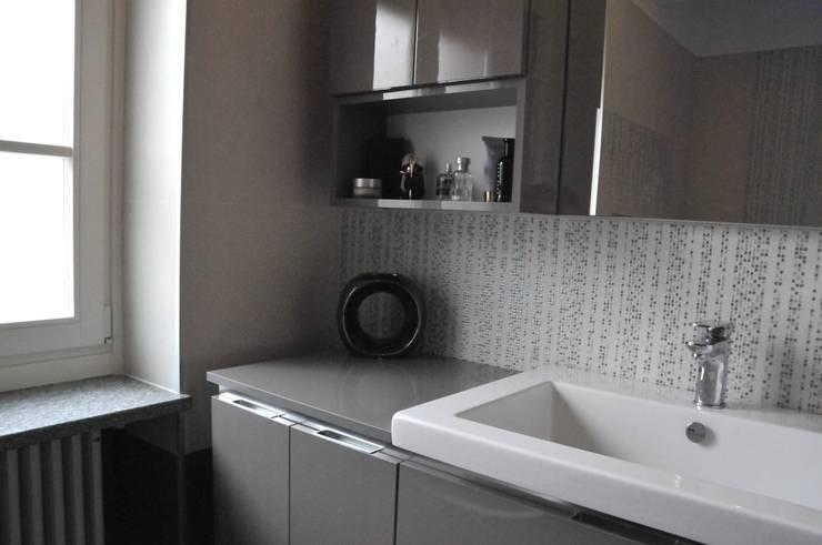 Baños de estilo  por ArchitetturaTerapia®, Moderno