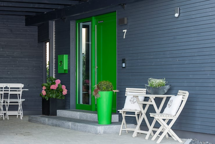 Maisons de style de style Moderne par KitzlingerHaus GmbH & Co. KG