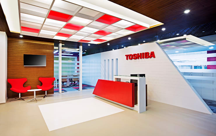 Toshiba Software:  Office spaces & stores  by Project Concepts
