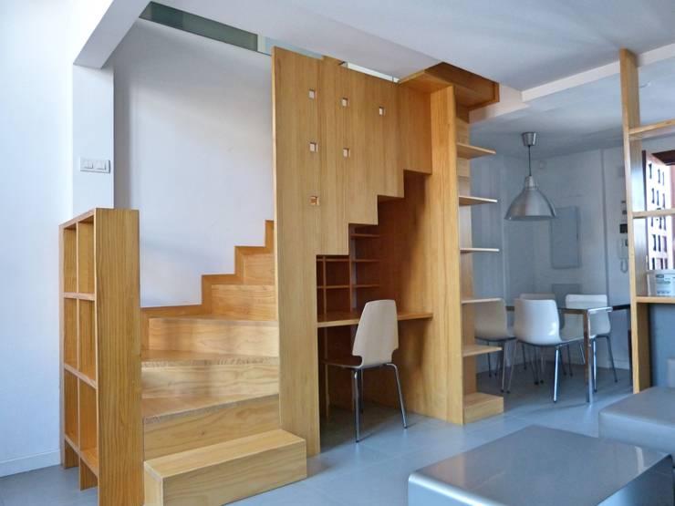 Escaleras de estilo  por Conely
