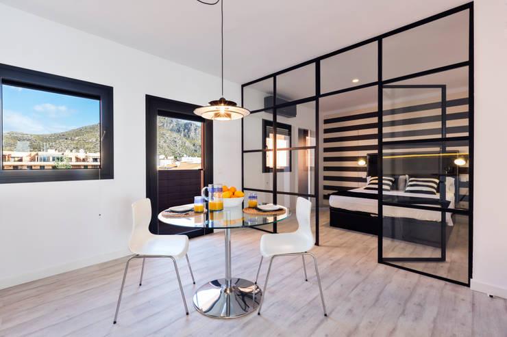 Salas de jantar modernas por ISLABAU constructora