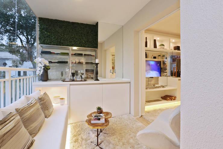 Projekty,  Piwnica win zaprojektowane przez Chris Silveira & Arquitetos Associados